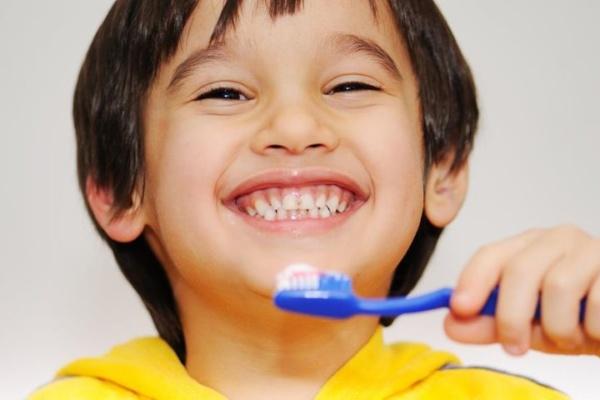 نحوه تجویز فلوراید در اطفال