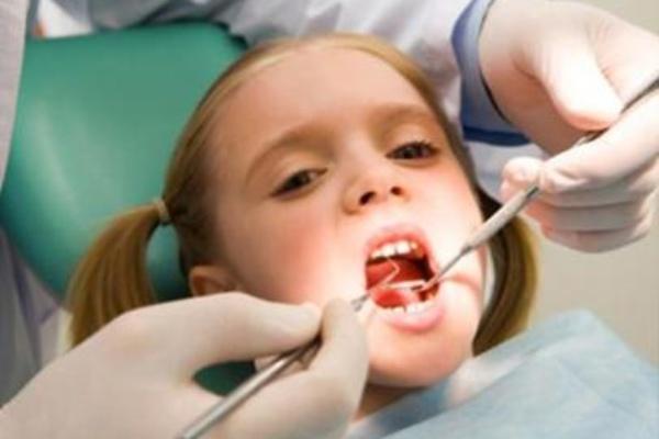 آیا برای کارهای دندانپزشکی ، از کودکتان کمک می گیرید؟