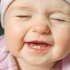 دلایل دندان در نیاوردن کودکان
