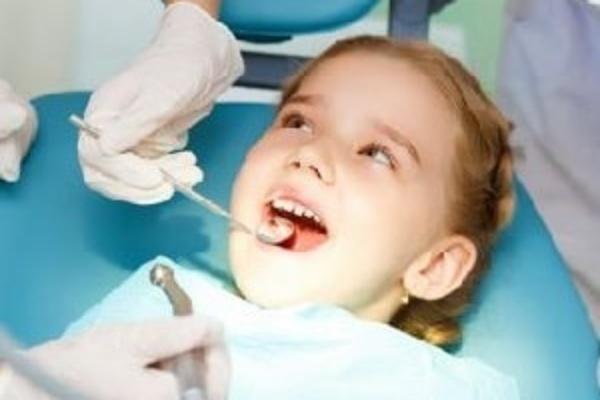 درمان دندان با استفاده از لیزر و تجهیزات دیجیتالی