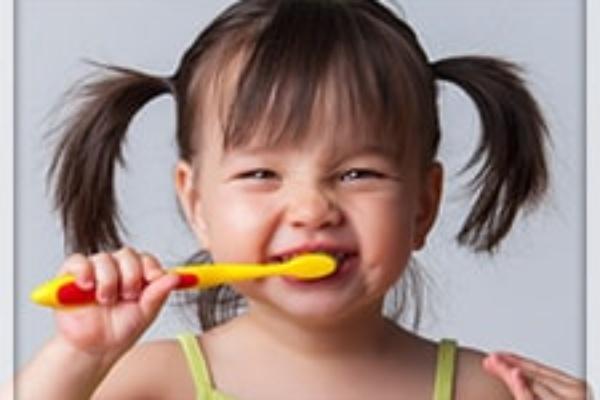 بهداشت دهان و دندان از تولد تا بلوغ
