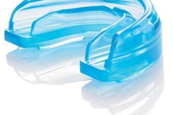 استفاده از محافظ دهانی