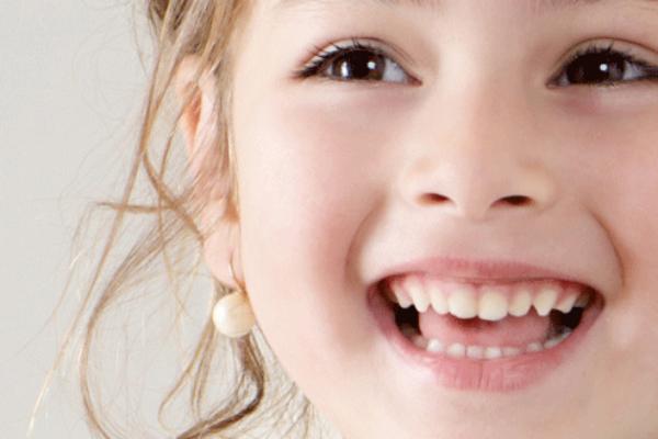 آسیب های دندانی و تشخیص آن توسط دندانپزشک ترمیمی با لیزر