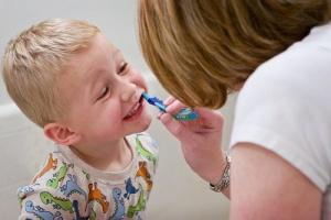 مراقبت های دهانی کودکان اوتیسمی