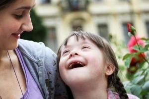 مراقبت های دندانی کودکان عقب مانده ذهنی