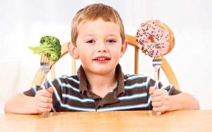 خوراکی های زردکننده دندان کودکان