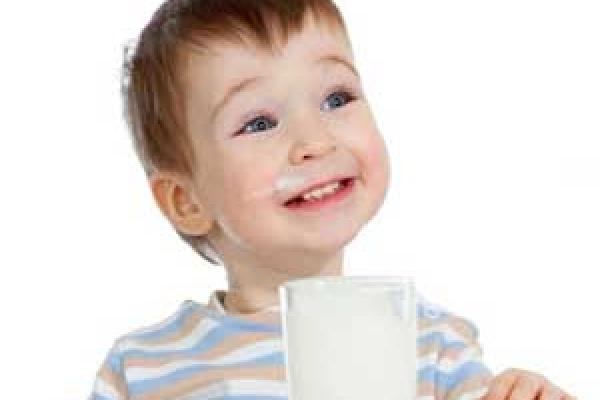 تاثیر شیر روی سلامت دهان و دندان