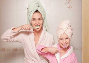 تشویق کودک لجباز به مسواک زدن