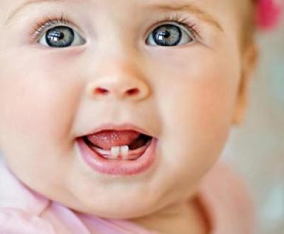 نشانه های دندان درآوردن نوزاد