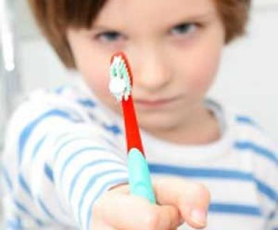 مسواک زدن کودکان پیش دبستانی